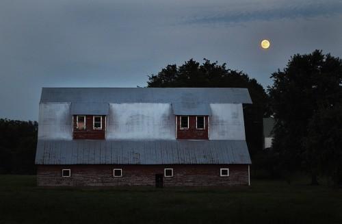 99% full moon 08-28-2015